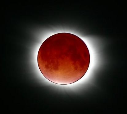Sonnenfinsternis-Mondfinsternis-Wunder (2)